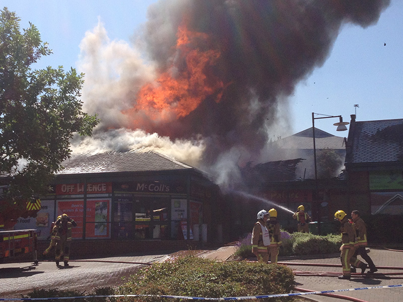 Fire at McColl's supermarket, Simmonds View, Stoke Gifford. [Photo: Andrew King]