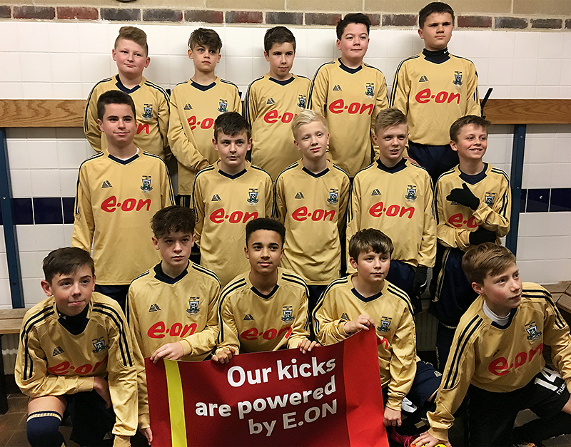 Photo of Stoke Lane Lions U13s wearing their sponsored kit.