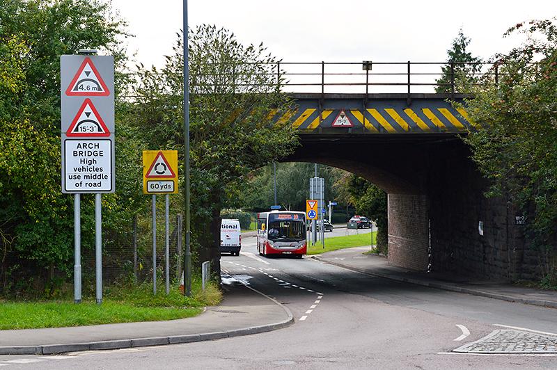 Railway bridge between Hatchet Road and Brierly Furlong