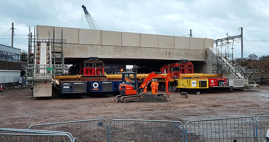 Photo of the bridge stuck around 30m short of its required position.